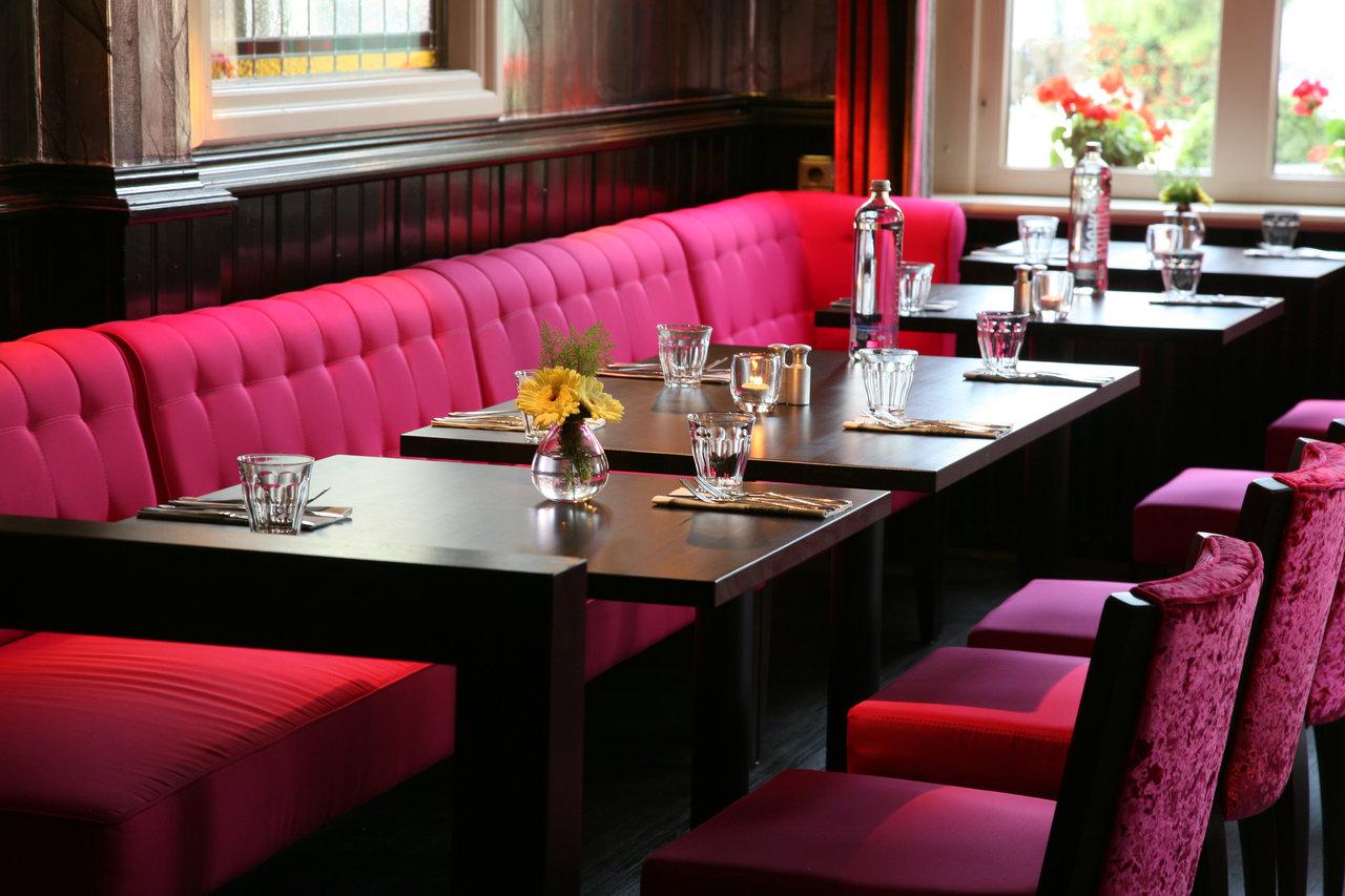 Restaurant de engel in houten - Kamer buffet heeft houten eet ...