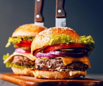 Hamburger met mes  282 29 preview