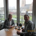 Aan de koffie in de rotterdamsse markthal    (2) thumbnail
