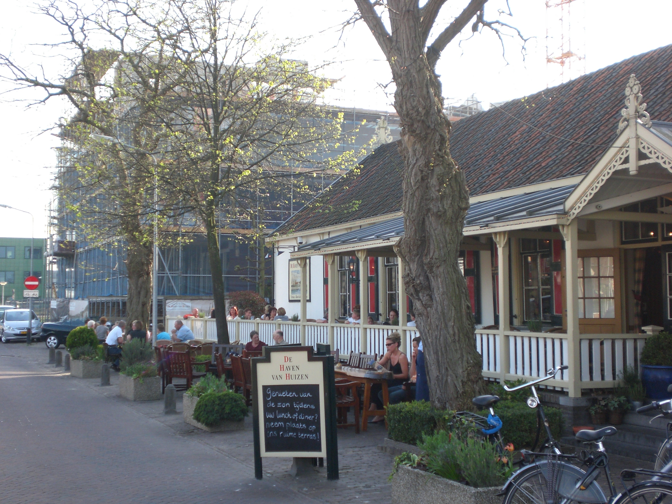 Haven Van Huizen : De haven van huizen in huizen eet nu
