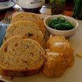Eet nu zeewierbrood met vis salade en zeewier bakkerij vader oost kapelle 25pc thumbnail