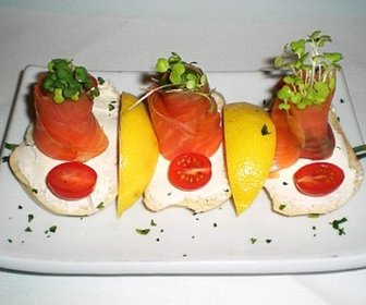 Salmon crostini jpg20111129 11125 16zjz3c preview
