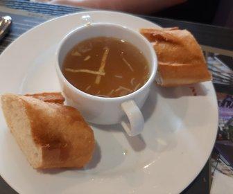 Foto 6 kippensoep met stokbrood preview